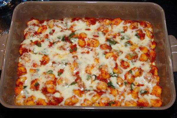 Gnocchi zapiekane w sosie pomidorowym
